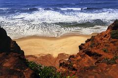 Praia de Pipa (jacinto_udi) Tags: praia paisagem lens lentes canon 18138 eos beach mar ocean sea landscape