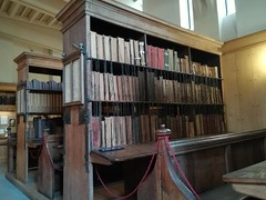 The chained library (daveandlyn1) Tags: books library chains herefordcathedral chainedlibrary pralx1 p8lite2017 huaweip8 smartphones cameraphone psdigitalcamera
