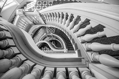 The beautiful main staircase of the Finnish Museum of Natural History (jussitoivanen) Tags: architecture architectur blackwhite blackwhitephotos blackandwhite blacknwhite noiretblanc blancnoir arkkitehtuuri finnisharchitecture
