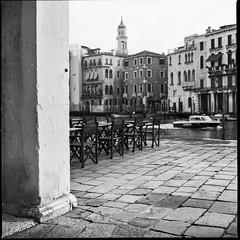 ... venezia .. (Norbert H.) Tags: analog hasselblad500cm hasselblad venedig venezia schwarzweis bnw mittelformat