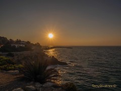 Marina (tonygimenez) Tags: mar marina amanecer sol costa acantilado olympus zuiko12100 agua luz
