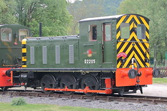 D2205 (2) (ANDY'S UK TRANSPORT PAGE) Tags: trains rowsley peakrail class04