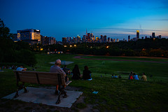 Blue Hour from Riverdale Park (A Great Capture) Tags: agreatcapture agc wwwagreatcapturecom adjm ash2276 ashleylduffus ald mobilejay jamesmitchell toronto on ontario canada canadian photographer northamerica torontoexplore summer summertime été sommer 2019 skyline cntower riverdalepark bluehour dark aftersunset cityscape park