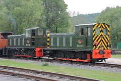 D2139 + D2205 (ANDY'S UK TRANSPORT PAGE) Tags: trains rowsley peakrail class03 class04