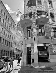 (Zunkkis) Tags: riga latvia street sculpture blackandwhite