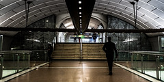 DSCF1468 (::nicolas ferrand simonnot::) Tags: super takumar 24mm f35 vers43961 supertakumar24mmf35 dark darkness underground noise night light street streetphotography black white vintage manual prime fixed length japanese classic lens ruelle personnes route bâtiment metro subway gate station lignes train plafond architecture panneau chemin