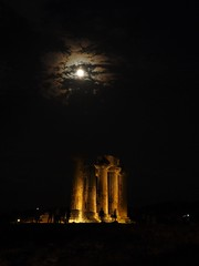 Ancient Corinth - The temple of Apollo - Full Moon (nverde) Tags: ancient temple greece corinth silhouette full moon apollo