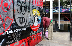 `2836 (roll the dice) Tags: london southwark se1 elephantcastle people colour fashion mad sad fun funny surreal dirty graffiti uk england urban unaware unknown classic art portrait strangers candid canon tourism tourists bored reaction drugs natural wisdom summer hot odd shops shopping walworth newington latina bag headless black grim homeless tramp