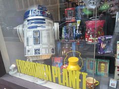 2019 Forbidden Planet Comic book store NYC 9203 (Brechtbug) Tags: 2019 forbidden planet comic book store nyc 13th street broadway new york city current location comicbook comics manhattan pulp pop culture funnies stores collectable toy toys south union square park chelsea facade front display window windows brit british uk english england organization business books news newspaper paper papers under ground 08242019 august