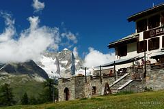 20190808-43-Ze Seewjinu Lodge (Roger T Wong) Tags: 2019 alps rogertwong sel24105g sony24105 sonya7iii sonyalpha7iii sonyfe24105mmf4goss sonyilce7m3 switzerland valais zermatt clouds mountains travel