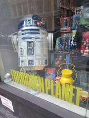 2019 Forbidden Planet Comic book store NYC 9202 (Brechtbug) Tags: 2019 forbidden planet comic book store nyc 13th street broadway new york city current location comicbook comics manhattan pulp pop culture funnies stores collectable toy toys south union square park chelsea facade front display window windows brit british uk english england organization business books news newspaper paper papers under ground 08242019 august