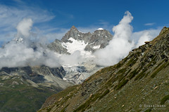 20190808-38-Alps (Roger T Wong) Tags: 2019 alps rogertwong sel24105g sony24105 sonya7iii sonyalpha7iii sonyfe24105mmf4goss sonyilce7m3 switzerland valais zermatt clouds mountains travel