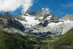 20190808-46-Glaciers and clouds (Roger T Wong) Tags: 2019 alps rogertwong sel24105g sony24105 sonya7iii sonyalpha7iii sonyfe24105mmf4goss sonyilce7m3 switzerland valais zermatt clouds mountains travel