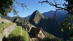 Bright dawn on  Machu Picchu (Chemose) Tags: sony ilce7m2 alpha7ii mai may pérou peru machupicchu paysage landscape montagne andes mountain inca huanapicchu aurore dawn matin morning