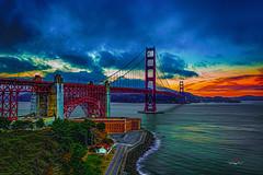 The Golden Gate Bridge   -2633-09-14- (zayaspointofviewphotography1) Tags: d700 nikon goldengatebridge sunset sunsetcolors clouds fog sanfransisco suspensionbridge pacificocean