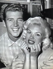 Mickey Hargitay en Jayne Mansfield (poedie1984) Tags: jayne mansfield vera palmer blonde old hollywood bombshell vintage babe pin up actress beautiful model beauty hot girl woman classic sex symbol movie movies star glamour girls icon sexy cute body bomb 50s 60s famous film kino celebrities pink rose filmstar filmster diva superstar amazing wonderful photo picture american love goddess mannequin black white mooi tribute blond sweater cine cinema screen gorgeous legendary iconic mickey hargitay miklós miklos budapest hungary mr universe lippenstift lipstick ring