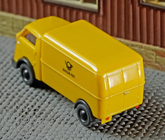 WIKING 0335 03 Vidal Tempo Matador Deutsche Post (willberghoff) Tags: sonyalpha6400 ilce6400 a6400 60mm28macro 7artisans wiking tempo h0 modellauto modelcar