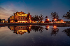 Semperoper By Night (Björn Hempel) Tags: germany dresden saxon semperoper night light sky bluehour reflection water fountain deutschland sachsen nacht himmel blauestunde brunnen wasser agua sajonia alemania reflejo spiegelung luz noche fuente cielo horaazul