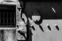 _DSC5918-4 (durr-architect) Tags: fort spijkerboor stelling amsterdam defence military strategy dutch waterline waterlinie fortification gun armoured dome monochrome