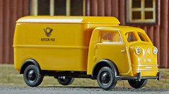 WIKING 0335 03 Vidal Tempo Matador Deutsche Post (willberghoff) Tags: sonyalpha6400 ilce6400 a6400 7artisans 60mm28macro wiking h0 187 modellauto modelcar tempo