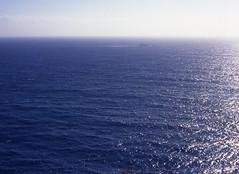 ...Between Corse and Sardinia (Paolo Levi) Tags: corse corsica canon fd ftb 50mm sun sea backlight blue ilfochrome bocchedibonifacio