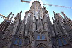 Under construction (thomasgorman1) Tags: temple basilica church nikon construction catholic street streetphotos barcelona spain spires sagrada gaudi cathedral stone