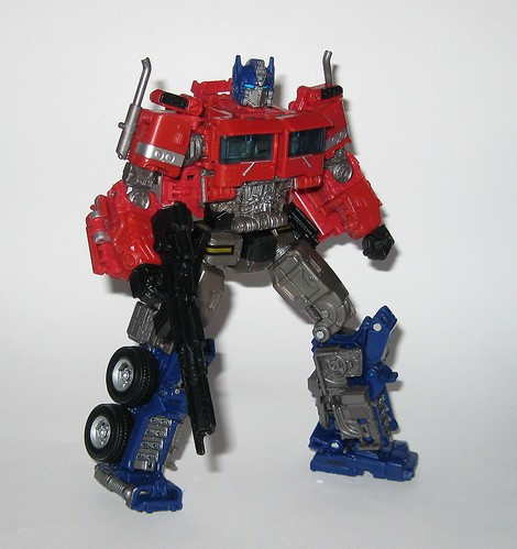optimus prime transformers studio series 38 voyager class