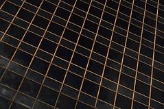 Golden grid (ARTUS8) Tags: minimalismus pattern nikond90 fassade sonnenaufuntergang muster linien flickr nikon24120mmf40 facade sunset