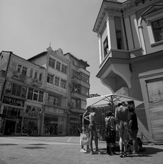 It's hot, need some shade(s) (Alfred ter Wal) Tags: plovdiv bulgaria film analog bw filmisnotdead street hot sunny stall