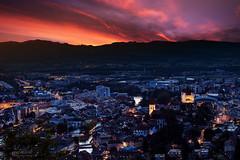 Thun (mluuk) Tags: thun stadt sunset kirche zentrum schweiz berneroberland aare