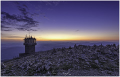 (Marc Lecerf ┃Photographie) Tags: light sunset sunlight france sunshine sunrise landscape explore provence nightlandscape ventoux sunsetsoftheworld sunsetpics travelandlife sunsetvision sunsetsniper lowlightlevellandscape sky alpes starrynight provencealpescôte starrysky skylum miops nikon fullframe astroscape nightscape night nightshot vaucluse ciel nuit estrellas noche paisaje francia starry lll llll montagne mountain golden hour outside experience astronomy astrophotography colors colorfull