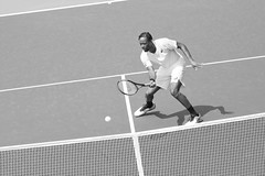 norland d. cruz photography: french tennis player gaël monfils at the net during practice day at the 2019 us open in new york (in black and white) (norlandcruz74) Tags: gael monfils french france singles mens tennis player atp tour usta sport sports us open 2019 ny new york flushing meadows queens grand slam grandslam event tournament major norland cruz pinoy filipino american photographer shutterbug shutter speed fast iso high gear nikon dx dslr d7200 nikkor afs telephoto telefoto zoom lens wilson asics monochrome black white action motion