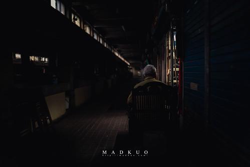 林德官菜市場-那位老人的背影