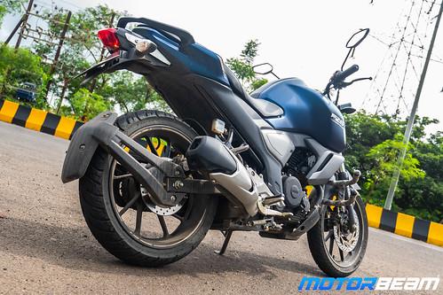 2019-Yamaha-FZ-V3-13