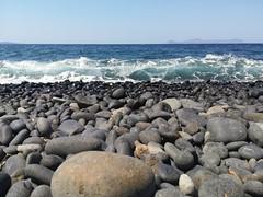 Pietre e pietruzze (silvia07(very busy)) Tags: pietre pebblesbeach pebbles nero black vulcano volcan sea mare onda waves ocean