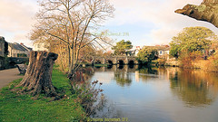 Bridge street bridge over the River Avon n November 2018, Christchurch, Dorset, England. (samurai2565) Tags: christchurch christchurchpriory riverstour wickvillage thequomps christchurchquay miraculousbeam twynham hengistburyhead riveravon captainsclubhotelandspa wicklane wickferry mudeford quay therun tutton'swell stanpitmarsh christcurch dorset england rivermude allsaintschurch stanpit placemill saxonsquare