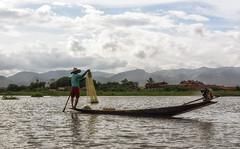 All'ombra dell'ultimo sole (forastico) Tags: myanmar lagoinle forastico nikon d7100 pescatore birmania asia earthasia