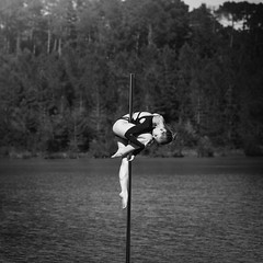 (dimitryroulland) Tags: nikon d750 85mm 18 dimitryroulland black white pole dance dancer poledancer poledance water lake nature natural light performer art artist france dordogne fitness nymphette