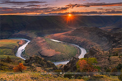 John Day River - Oregon - USA (~ Floydian ~) Tags: henkmeijer photography floydian johndayriver johnday river bend riverbend horseshoebend sunburst american oregon northwest sunset evening leefilters landscapes landscape canon canon5dmarkiv