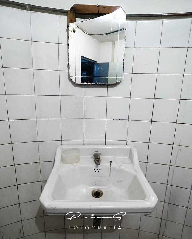 El Lavabo De Antonio Lopez.The World S Newest Photos Of Lavabo And Mirror Flickr Hive