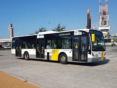BEL Lijn 4901 ● Oostende Busstation (Roderik-D) Tags: delijn48804901 vanhool oostende lijnbus stadsbus 1eob810 4901 newa330 liebherr citybus stadtbus 2axle 3doors