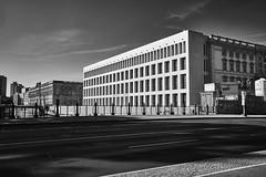 Humboldt Forum (Jontsu) Tags: humboldt forum berlin germany deutschland street streetphotography bw blackandwhite blackwhite fuji fujifilm xt3 fujinon23mmf2 fujinon23mm