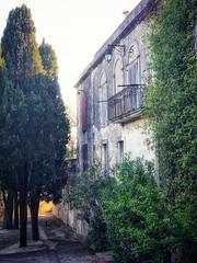 Chemin de la Tour Magne (marc.barrot) Tags: shotoniphone landscape façade france midi gard 30 nîmes chemindelatourmagne