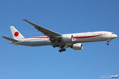 Boeing 777-300ER Japan Air Self Defence Force 80-1111. (Arthur CHI YEN) Tags: boeing 777300er japan air self defence force jasdf lfbd 801111