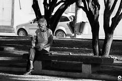 Portrait (Michell Fotografia) Tags: natureza riodejaneiro bw brasil brazil blackandwhite monochrome pb pretoebranco blancoynegro bn humain people ville city rue street urbain noiretblanc nb netb femme photo photographe portrait portraits
