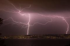 Orage très actif le 25 juillet sur Lausanne. (schatanay) Tags: nocturne suisse poselongue france vaud rhonealpes eos5dmarkiii hautesavoie lac orage canon paysage ef2470mmf28liiusm lausanne lemontsurlausanne cantondevaud
