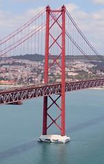 Even the biggest car is very tiny on this bridge.... (arjenvanveldhuisen) Tags: lisboa lisbon bridge brug pontede25abril portugal car canonsx60 taag tejo