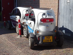 Renault Twizy Parking (harry_nl) Tags: netherlands nederland 2019 deventer renault twizy cargo hd238r sidecode9 sushibyme