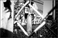 tagsMaurice Sève   25 08 2019 (19) (Bokey Shutter) Tags: fujicager ilfordpanf noirblanc lyon croixrousse