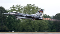 15105 / Portuguese Air Force / General Dynamics F-16AM Fighting Falcon (Charles Cunliffe) Tags: canon7dmkii aviation montdemarsanairbase lfbm portugueseairforce poaf forçaaéreaportuguesa generaldynamicsf16amfightingfalcon 15105